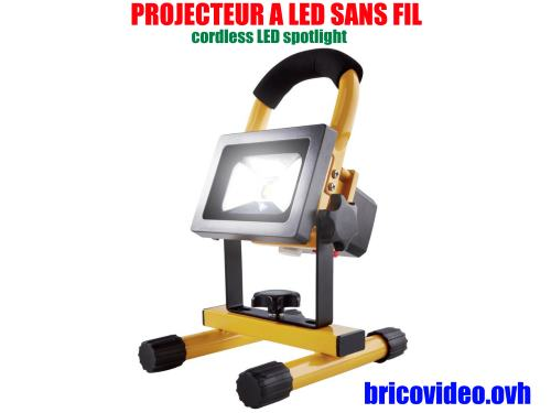 projecteur a led sans fil lidl powerfix 10 watts 5 2 ah. Black Bedroom Furniture Sets. Home Design Ideas