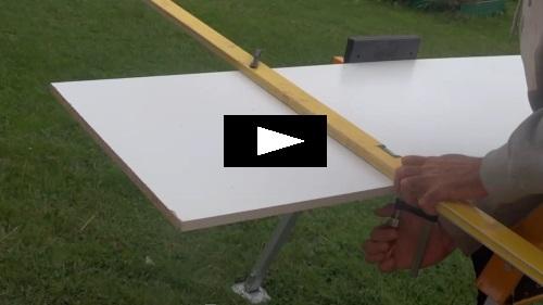 Couper une planche parfaitement droite - Comment couper droit avec une scie sauteuse ...